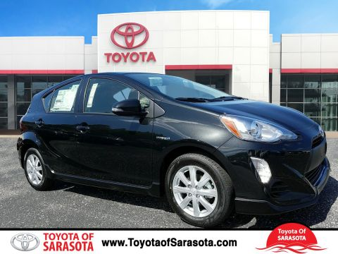 New 2017 Toyota Prius c Three With Navigation